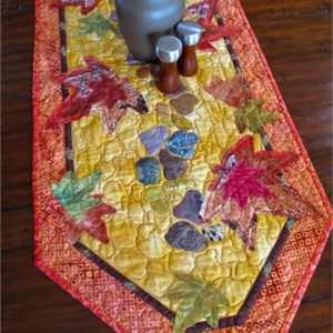 Leaves Along the Path Quilt Pattern